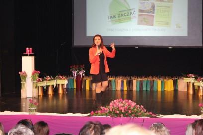 Prelekcja dla kobiet w teatrze w Świdnicy